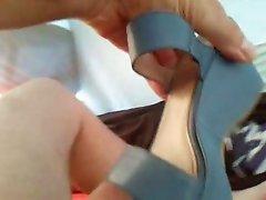 Sborro nei sandali di mia cognata 2