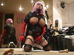 Roxina Pussy Play