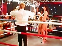 A box match turns into sex orgy in the ring