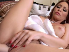 Lesbian Monique Alexander gets horny with hottie Whitney