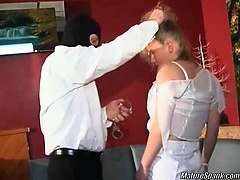 Horny brunette slut was sitting in a bar when her came to