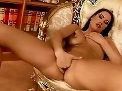 Carmen Rose gets her wet pussy fisted
