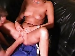 Amateur slut gets her first fisting