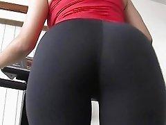 Busty latina Evie Dellatosa blowing and titfucking