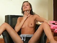 Tiny Teen Masturbates for you