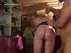 Mature MILF gets all her holes filled part4