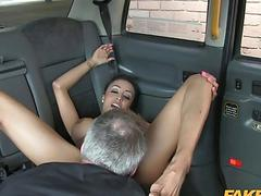 Huge boobs babe nailed by fake driver