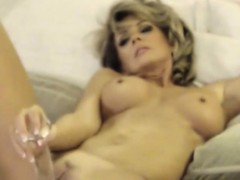 Superb Milf Pleseared Herself At Home