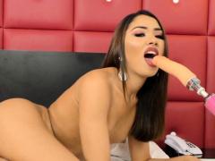 Tgirl Mayna Santini gets anal machine