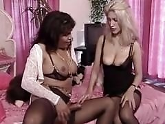 Brunette German T-Girl gets a blow-job from her blonde GF