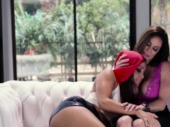 Good looking Abigail Mac eats horny Kenda Lusts wet pussy