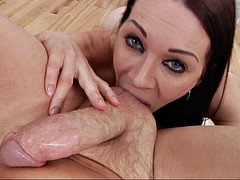 veteran porn bitch rayveness does some pov-style cocksucking