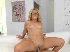 Sexy Cougar Stevie Lix Screws Young Neighbor