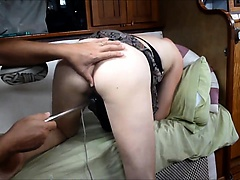 Pleasing her horny pussy with a homemade toy