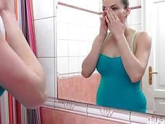 Preggo Victoria Daniels Masturbating in the Shower