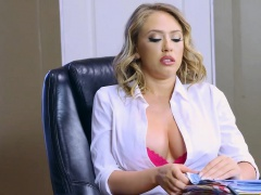 Brazzers - Big Tits at Work - Kagney Linn Kar