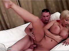 Hot lips and curvy body bimbo gets fucked hard