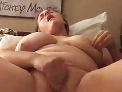 horny slut cums and then licks her pussy juice off