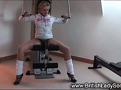 Lady Sonia exercises in heels