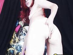 Nerdy Redhead Babe Masturbate her Pussy