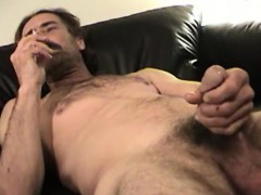 Mature Amateur Reed Jacking Off