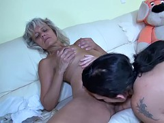 lesbian granny makes love with lesbian girl