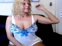 Mom squirting inside her house displaying her stuff