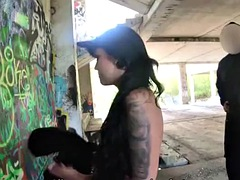 law4k. jennifer mendez likes to paint the walls so why she