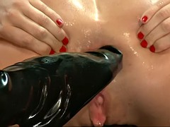 gape queen roxy raye takes two feet up her anal cave