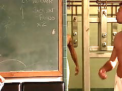 Noureen DeWulf - ''The Comebacks'' 03