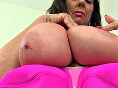 Toni milf scottish lace and lulu lush british milf in stockings