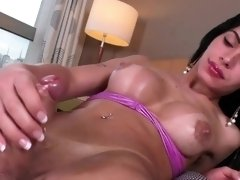 Shemale Babe Nicolly Lopes Plays With Her Cock