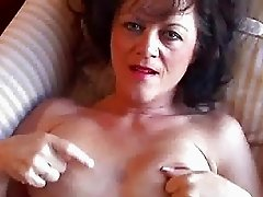Amateur Cougar and her wet pussy