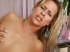 Cum lover Payton Leigh gets shagged hard before having cum drip from her cunt