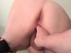 Fat whore gets her cunt finger fucked part2